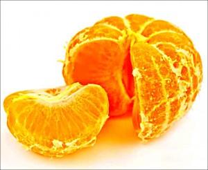 obieranie pomarańczy