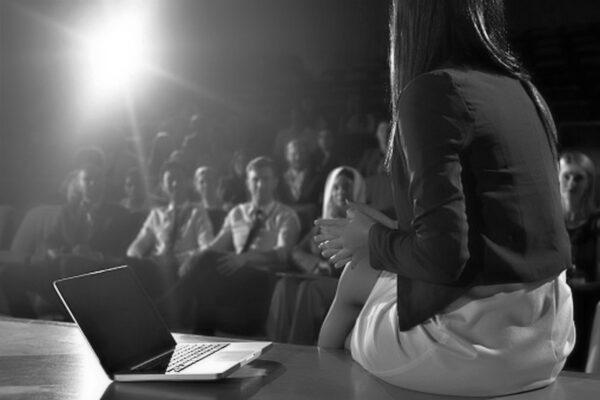 Teatr online to śmierć złego teatru
