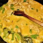 Szafranowe curry z indyka